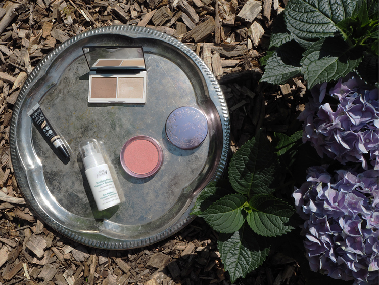 Dekorative Kosmetik / Make-Up für den Sommer