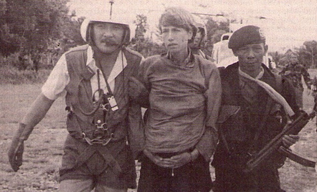 "Gegijzeld in Indonesie: Dokumenter TV Nasional Belanda Soal ""Operasi Pembebasan Sandera Mapenduma"""