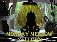 http://mondaymellowyellows.blogspot.com/2016/02/unusual-boat-style.html