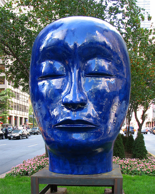Head by Jun Kaneko, Park Avenue at 53rd Street, New York