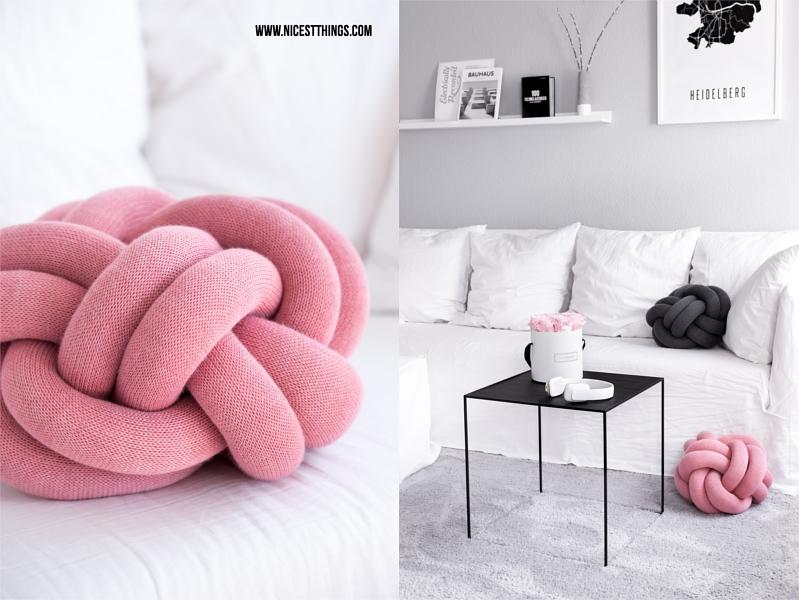 Knot Kissen Knoten in rosa und Twin Table von By Lassen