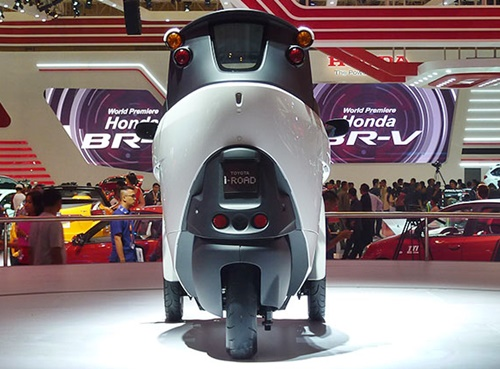 GIIAS 2015: I-Road For Beyond Technology