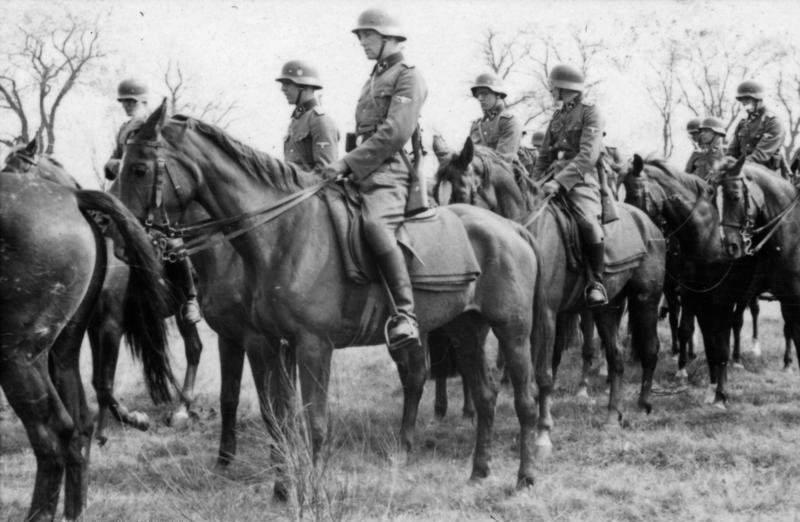 Γερμανικό ιππικό των SS στη Σοβιετική Ένωση το 1941.