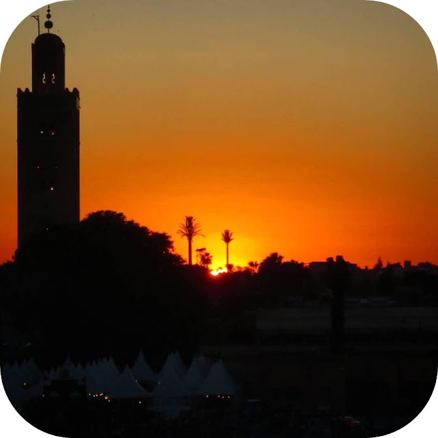 Long Weekend in Marrakech - Sidewalk Safari - sunset over Jemaa el-Fnaa