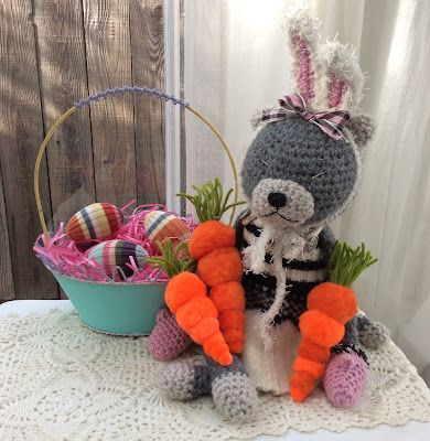 pom pom carrots Easter Amineko, how to craft stefanie girard
