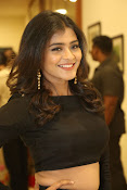 Hebah patel latest photos gallery-thumbnail-12