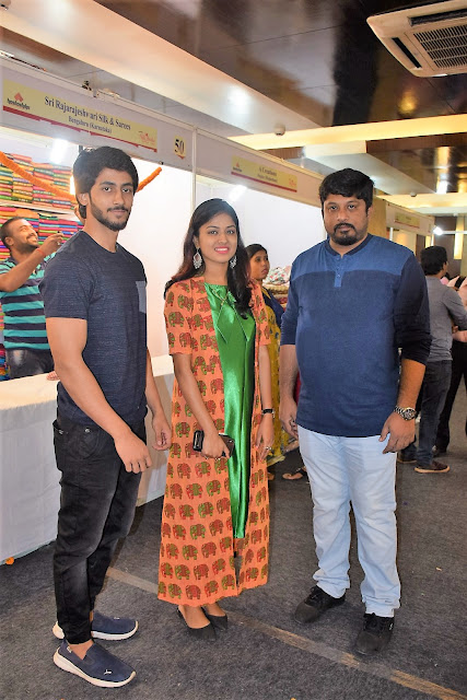 Actress Niharika Dash Inaugurates Silk India Expo at Bhubaneswar