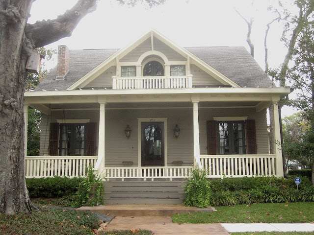 The Other Houston Bungalow Roofs Eaves Gables Amp Trim