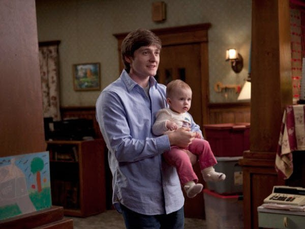 Raising Hope - Season 1 Episode 12: Romeo and Romeo