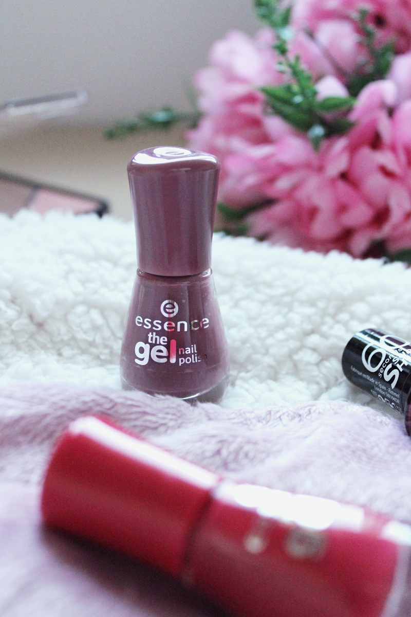 3 Nail Polishes For This Season - Tea & Curls