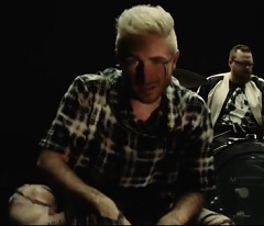 Walk The Moon lança clipe de Kamikaze