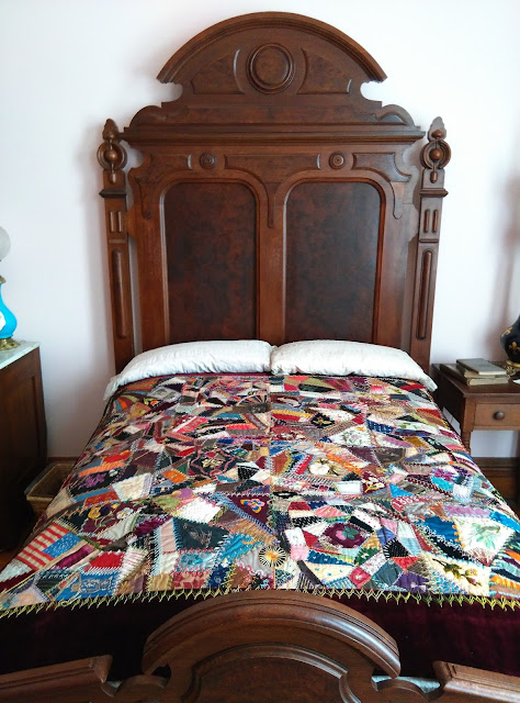 Presidential Quilt on Benjamin Harrison's Bed.