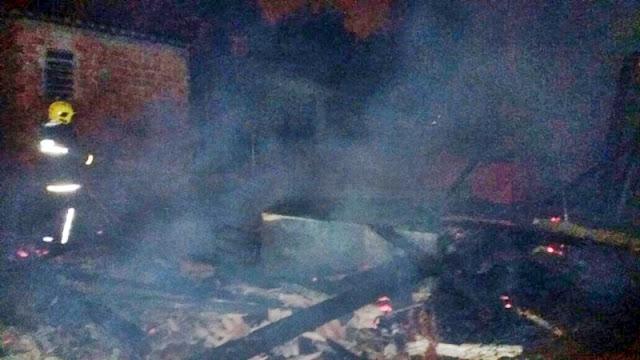 Manoel Ribas: Incêndio atinge residência no Bairro Santa Rita