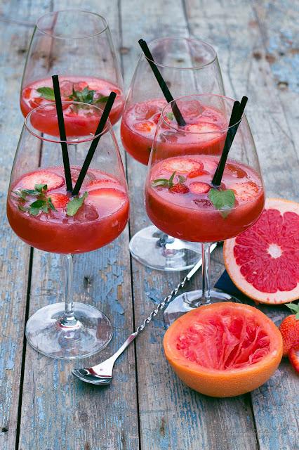 Erdbeer Tee Paloma - Erdbeer Tee Cocktail