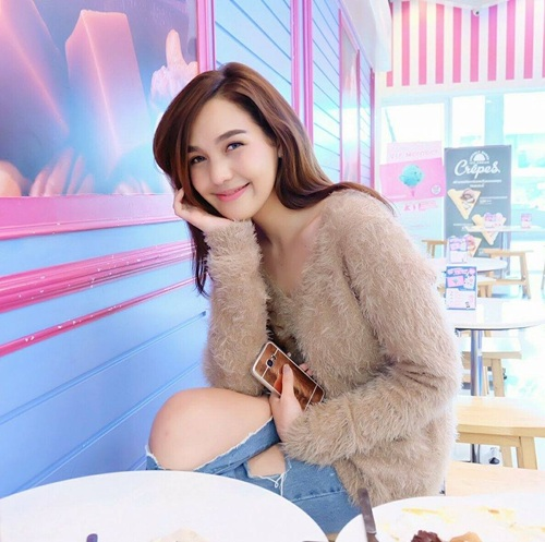 cosplayer cantik wonder woman thailand