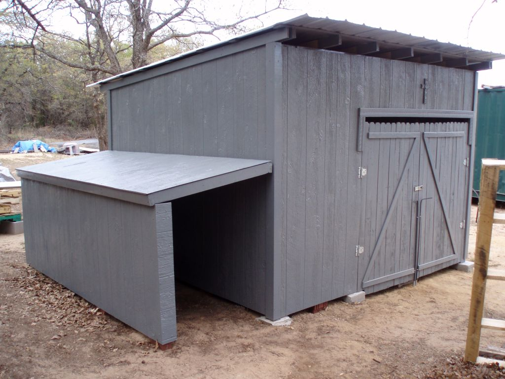 Farmer in the Martindale: Wood Pallet Shed