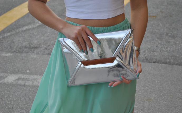 love mint green chiffon skirt, inlovewithfashion, asos crop top, Nila Anthony Clutch, metallic