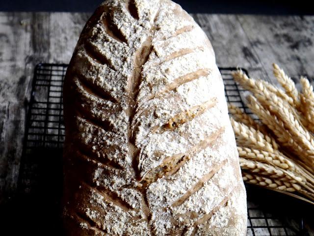 Orkiszowy chleb dekoracyjny. Listopadowa piekarnia - Czytaj więcej »