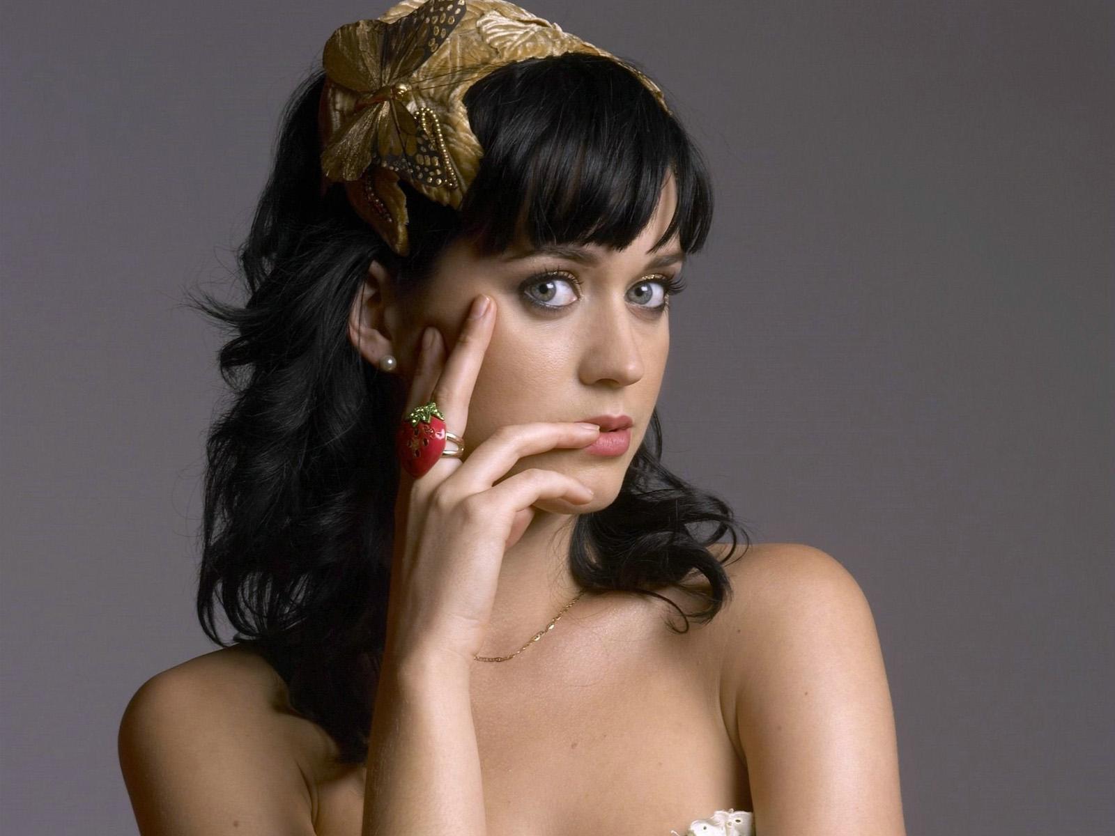 Fashining Uk Katy Perry