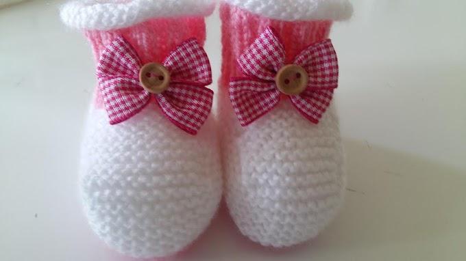 Sapatinho Em Tricô Rosa e Branco