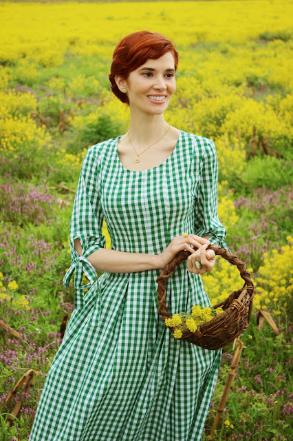 Knotted Cuff Fit and Flare Green White Gingham Sundress from SheIn