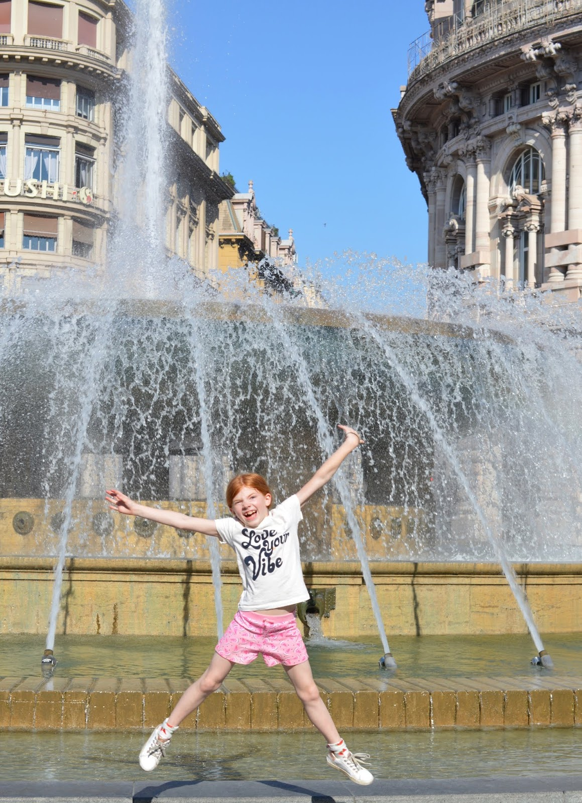How to spend a weekend in Genoa with kids - main square fountains