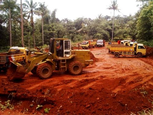 Jasa Bidang Pekerjaan Tanah Dasar (Jasa Pengurugan, Jasa Land Cut and Fill,  Bongkar Banguan, Jasa Land Clearing)Jasa Pengeboran Sumur   0813 1124 4499  (Water Well Drilling)