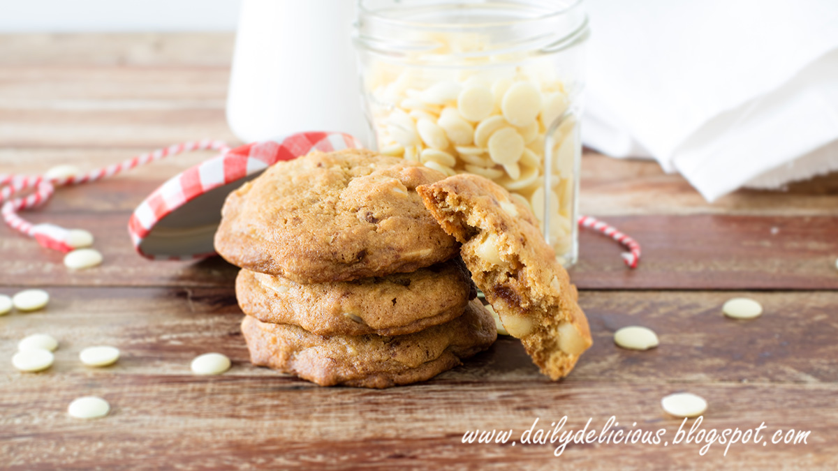 White Chocolate Macadamia Nut Bars With Cookie Base