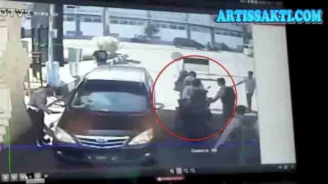 5 Bom dalam 25 Jam, Kenapa Harus Surabaya Jadi Sasaran?