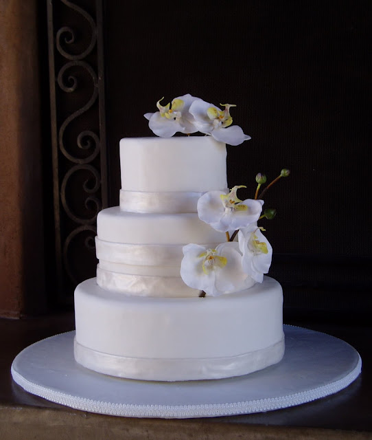 Wedding cake designed by Sonja Stone