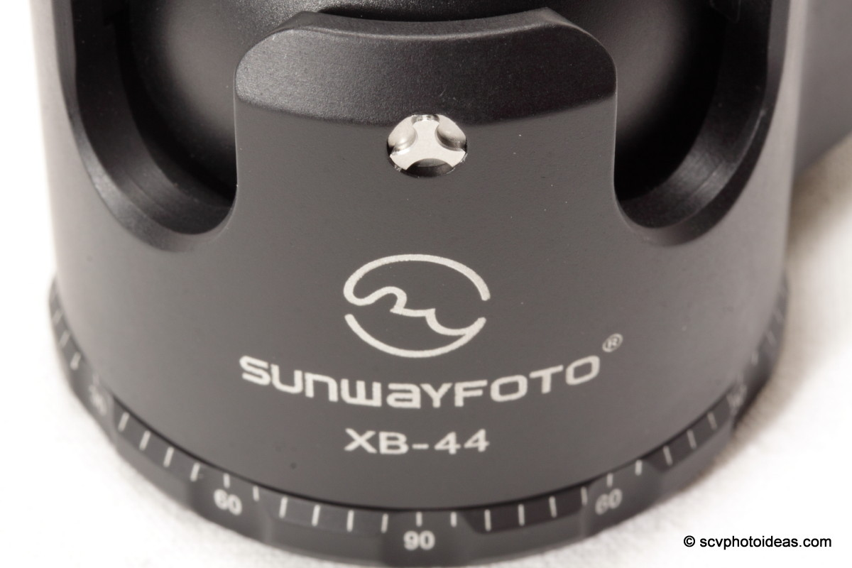 Sunwayfoto XB-44 dual drop notch detail