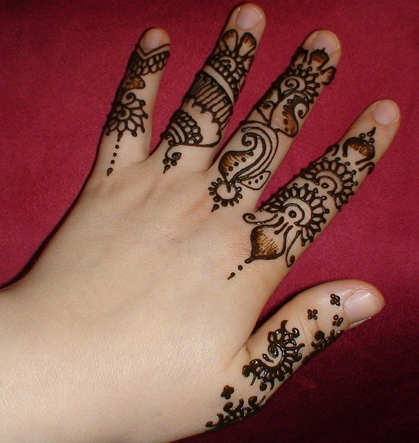 Mehndi For Fingers