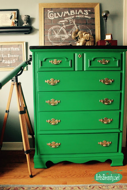 boho chic Emerald Green roadside rescue dresser painted makeover before and after eclectic home decor artisbeauty.net