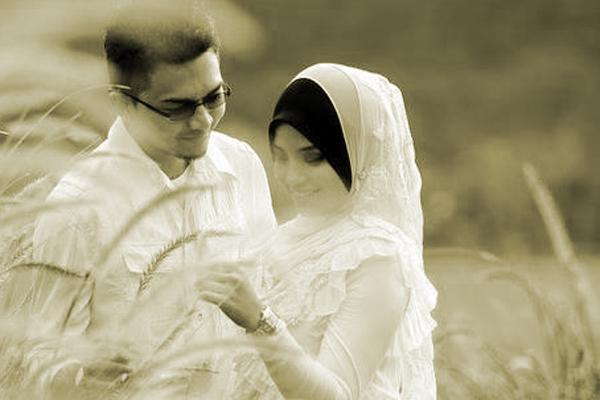 Sedihnya !!! Cerita Sebenar Terbongkar Apabila Suami Tergerak Hati Nak Check Balik Chat LAMA Dengan Isteri, Akhirnya Suami Sedar...