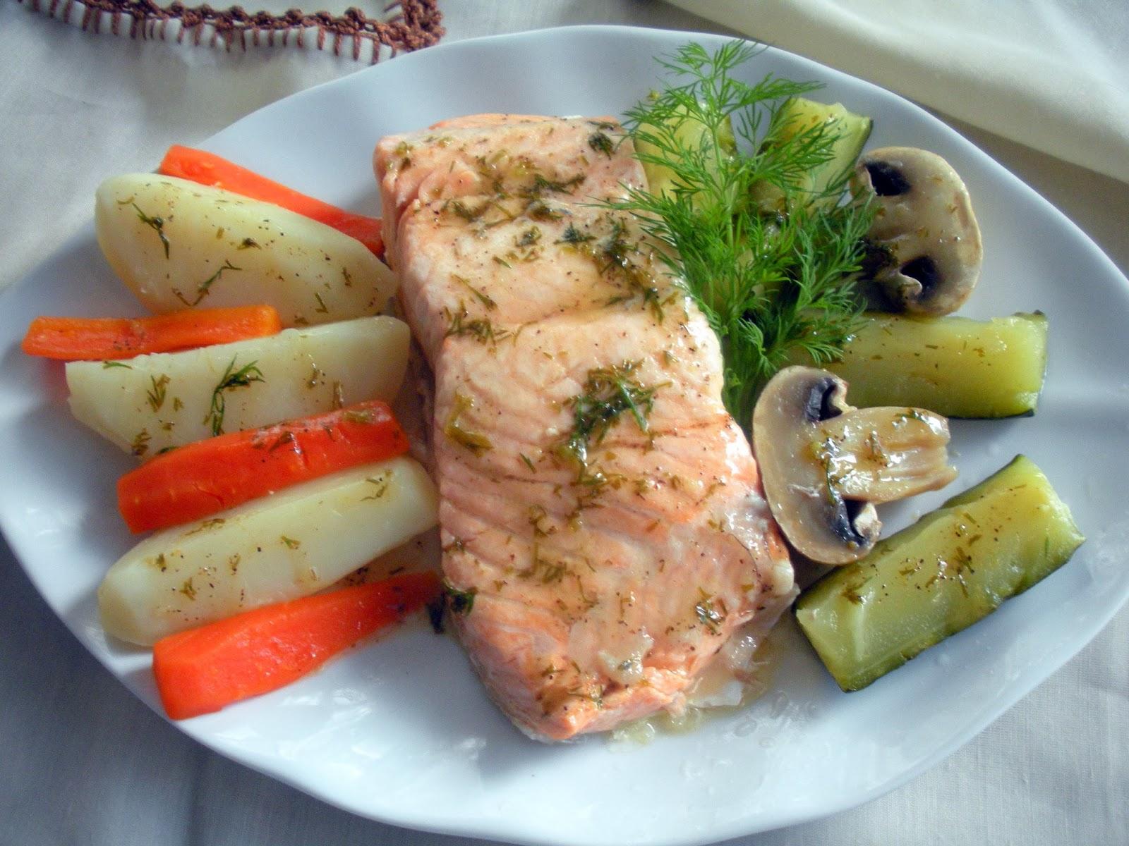 Aqu se cocina salm n al vapor con verduras for Que cocinar con verduras
