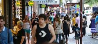 Según una encuesta de la Cámara Argentina de Comercio, 7 de cada 10 empresarios quieren la reducción. La caída de las ventas y la suba de los costos son los principales motivos.