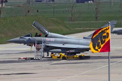 Eurofighter Typhoon T.3 ZK303 auf dem Flugplatz Meiringen