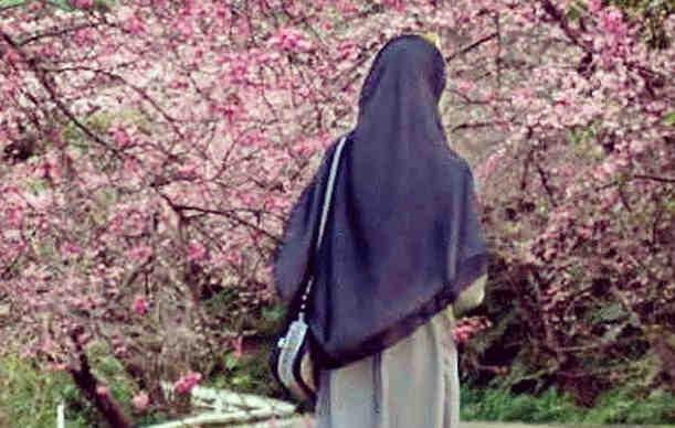 7 Adab Berpakaian Wanita Menurut Ajaran Islam Beserta Doa