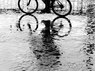 Bicicleta en la lluvia