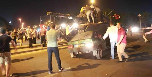 Upaya Kudeta, Setidaknya 90 Tewas Di Turki