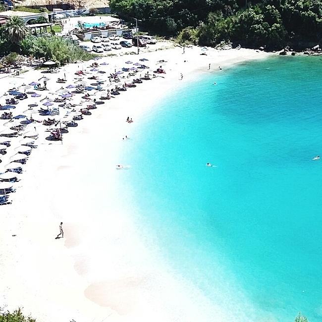 Jelena Zivanovic Instagram @lelazivanovic.Glam fab week.Sarakiniko beach Parga travel video.