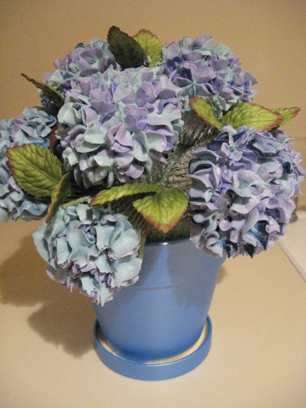 sarah jane designs  hello hydrangea cupcake bouquet