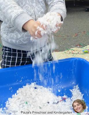 Holiday sensory bin ideas from Paula's Preschool and Kindergarten