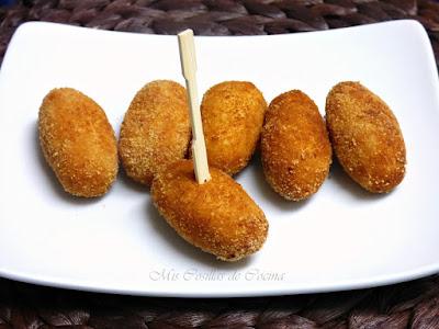http://www.miscosillasdecocina.com/2014/05/croquetas-de-pollo.html