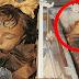 Mumia de 94 anos de criança surpreende o mundo ao abrir e fechar os olhos