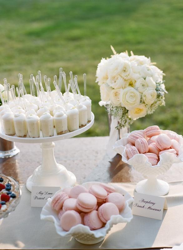 Cocoa Amp Fig Elegant Vintage Wedding Cake And Mini Dessert