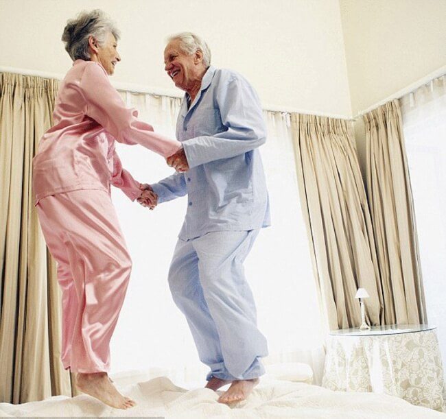 20 Exhilarating Images That Show Love Has No Age Limits - Jump on the bed
