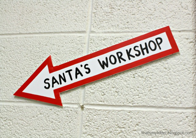 Santa's workshop arrow sign