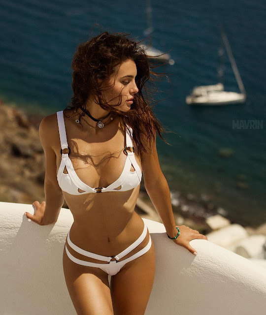Silvia Caruso Share Hot Bikini Photo on Instagram