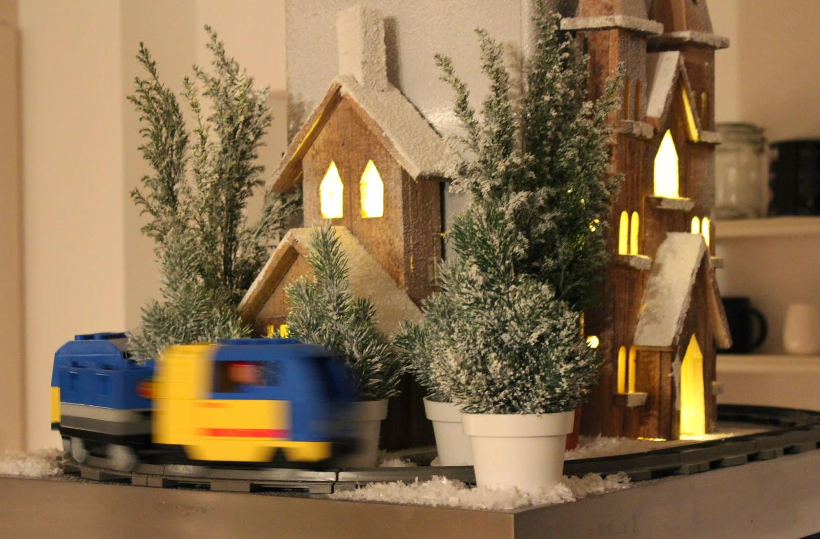 Eisenbahn Weihnachtsdeko.Drachenbabies Weihnachtsdeko Aus Lego Duplo Und Playmobil Zum Freutag